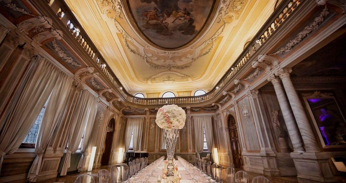 Небольшая свадьба в одном из самых романтичных палаццо Венеции в Италии
