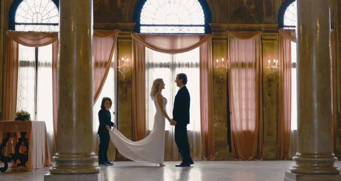 Самая романтичная церемония возобновления свадебных обетов в Венеции
